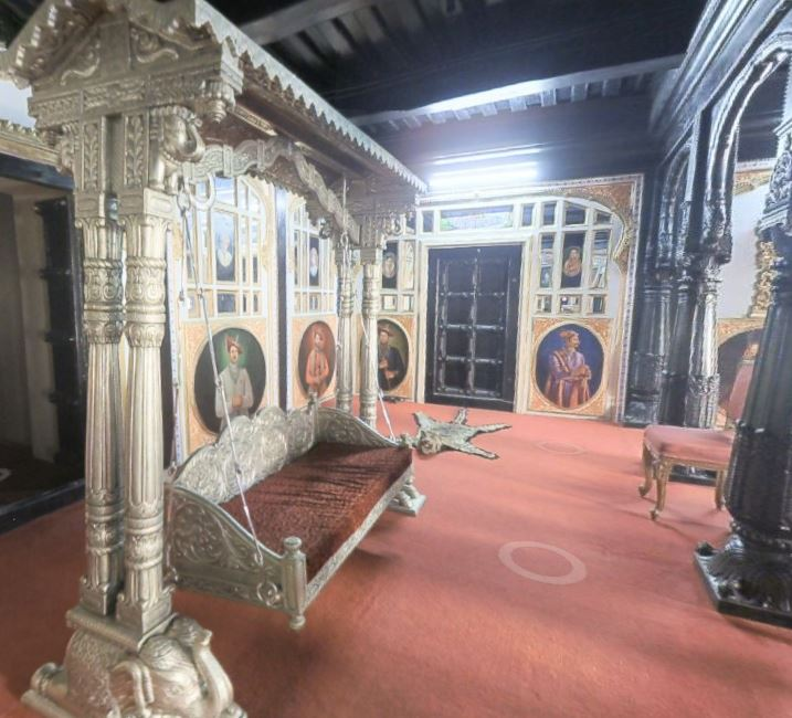 The silver jhula in the Rajwada