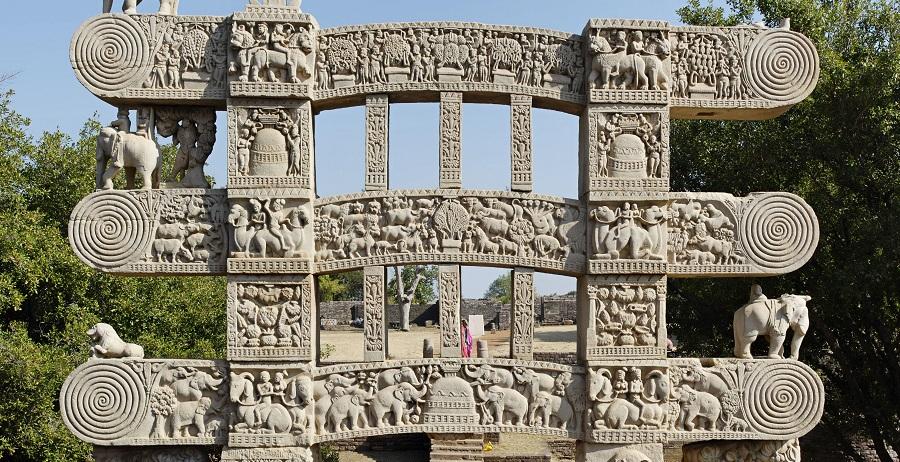 Satavahanas, Yavanas and the 'Cotton Road'