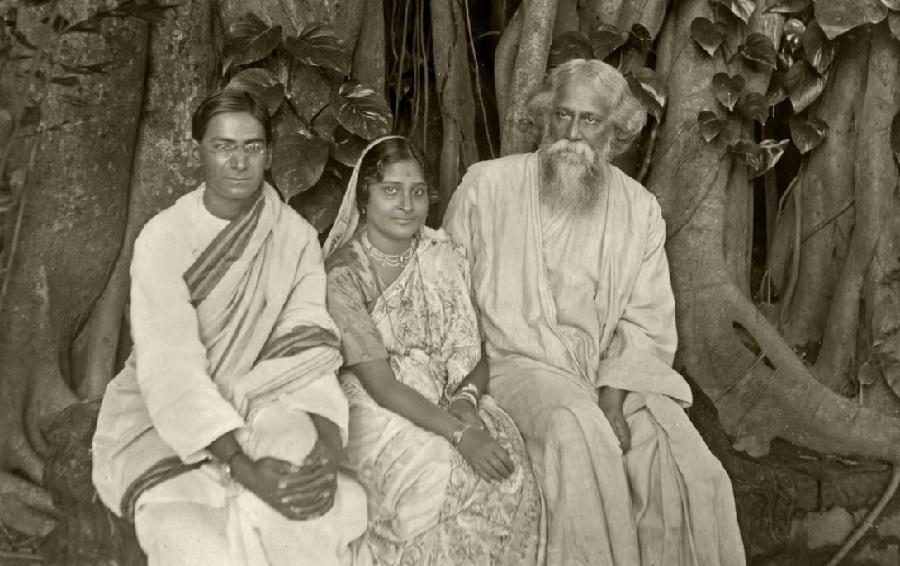 Mahalanobis and his wife Nirmalkumari with Rabindranath Tagore, 1925 | Indian Statistical Institute