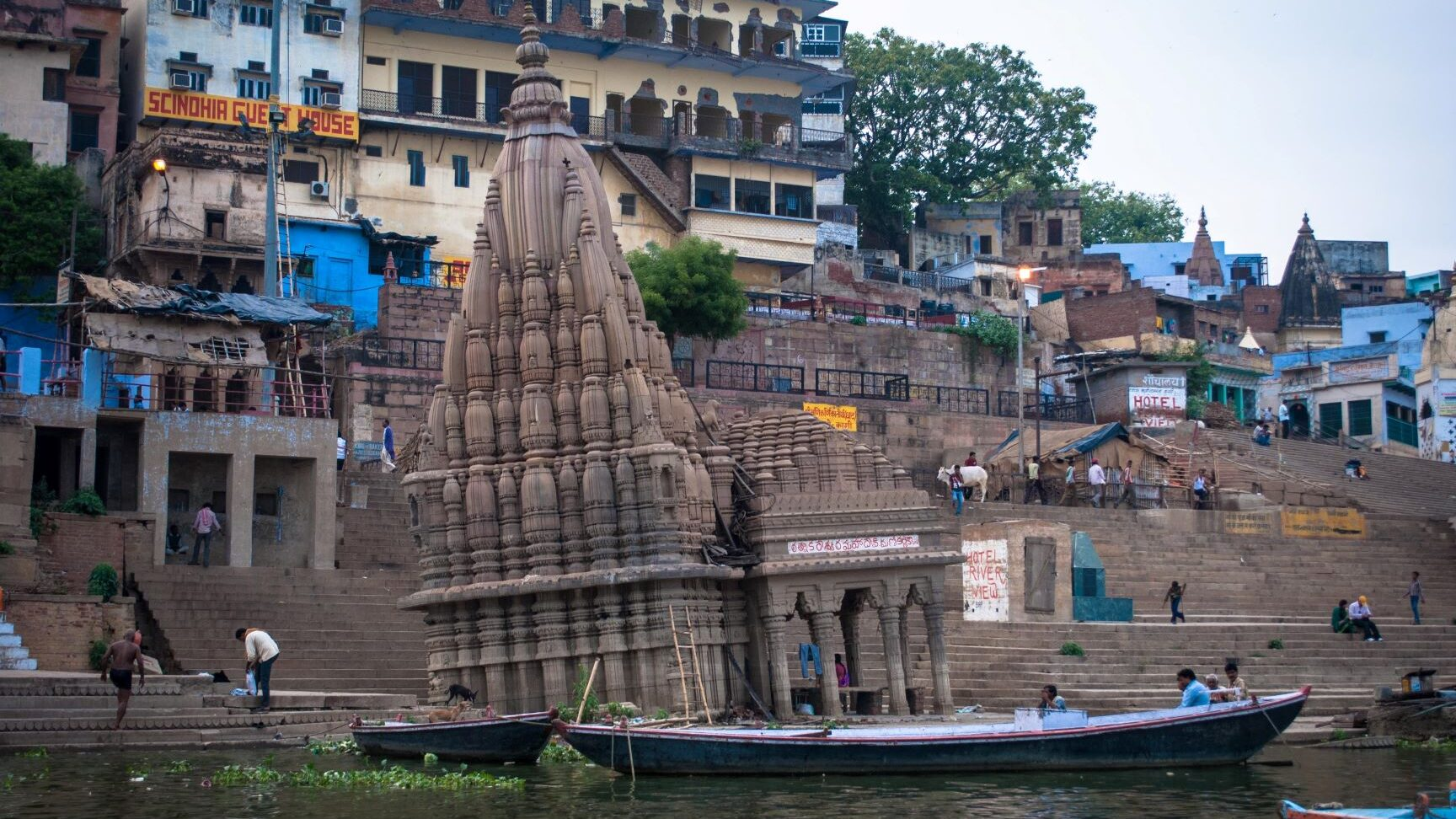 The 'Leaning Temple of Varanasi'