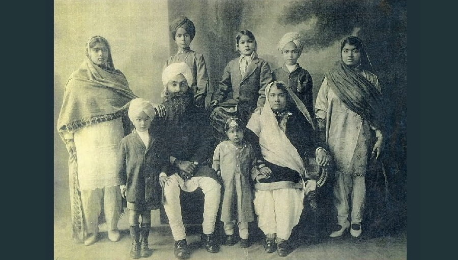 British Influence on Indian Attire