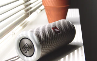 JBL-Week-Up-to-50%-OFF-in-Amazon