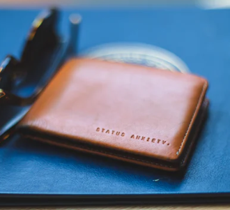 Leather-Wallet-for-Men-at-Rs.299-80%-worth-Rs.2,000-Amazon