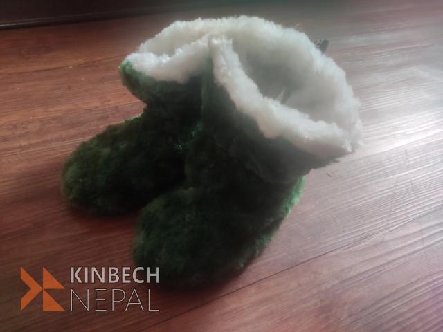 Soft woolen shoes   www.kinbechnepal.com