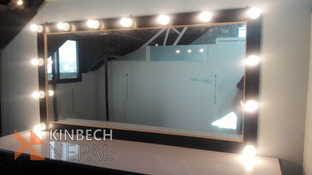 Mirror with Light Bulbs on Sale | www.kinbechnepal.com