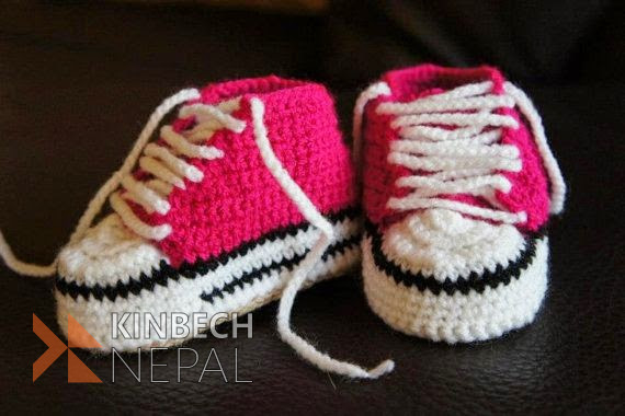 Crochet Baby Converse | www.kinbechnepal.com