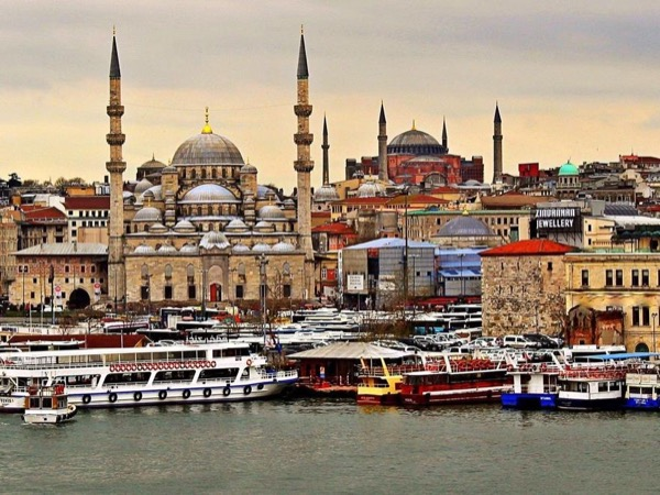 Istanbul Personalized Tour with Guide & Transport