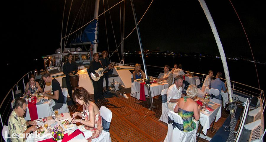 Sunset Dinner Cruise In Bali