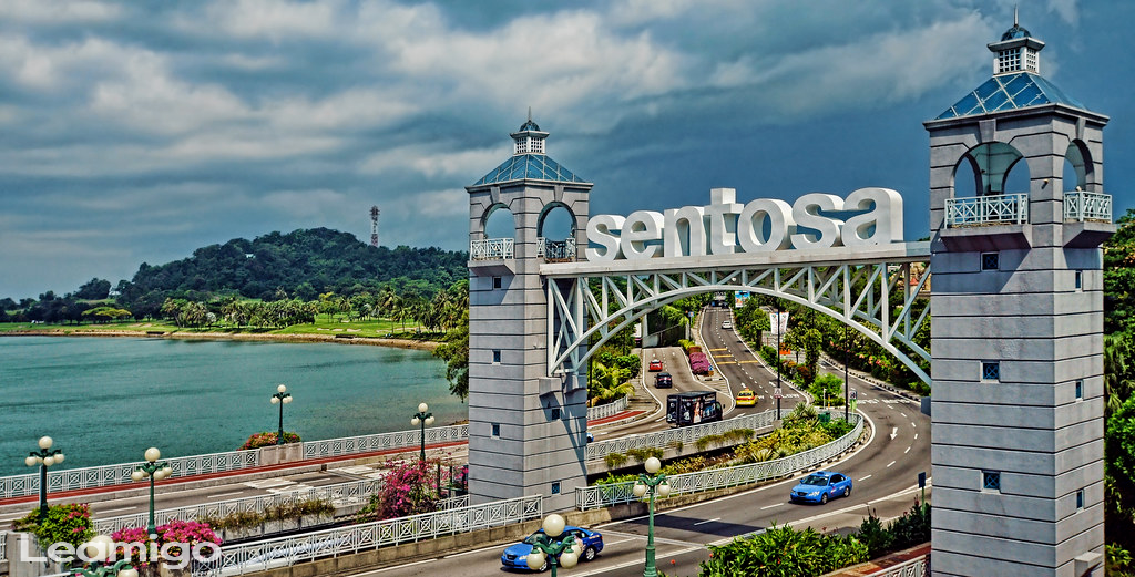 Sentosa Tour with Cable Car & Wings of Time