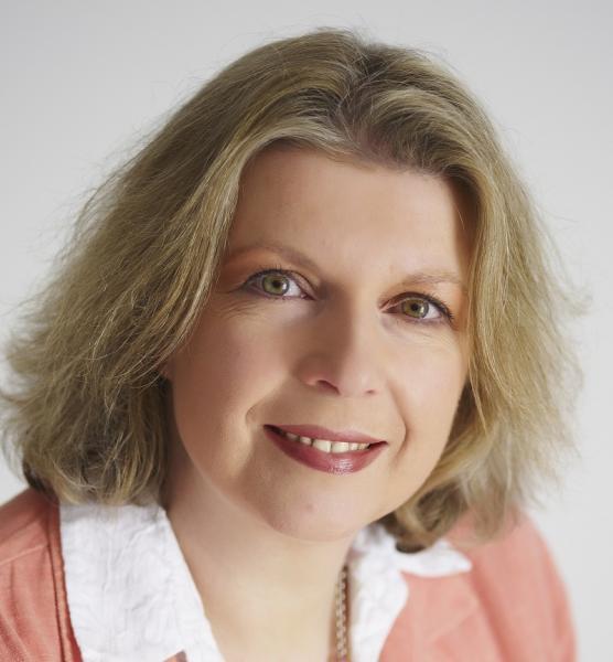 Dr Sarah Brewer | Ceekr