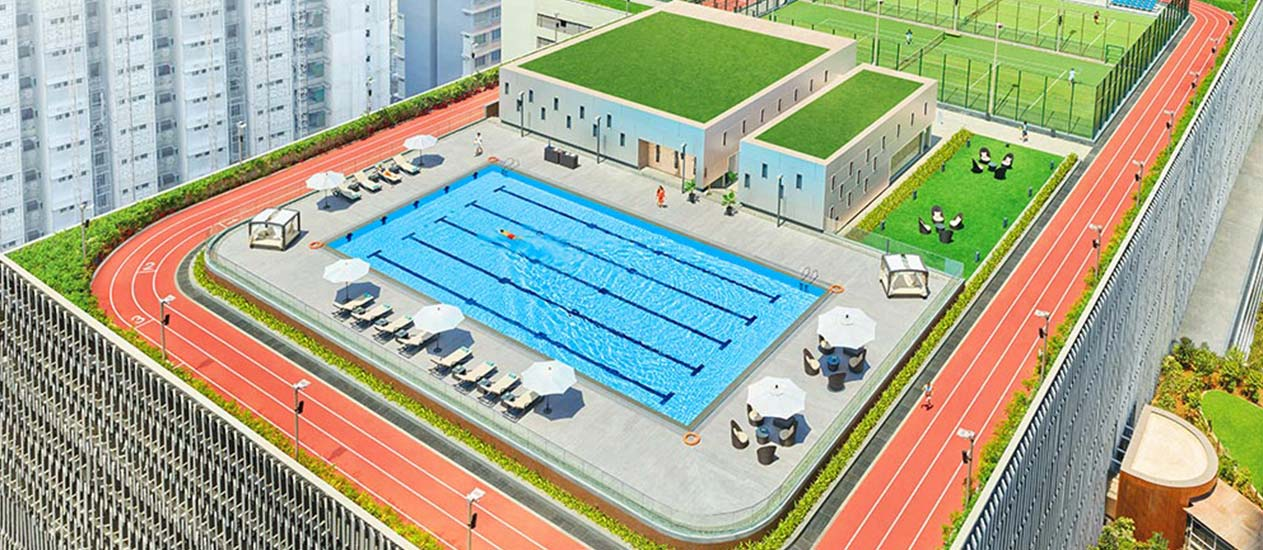 Roof-Top Pool at Lodha World Towers