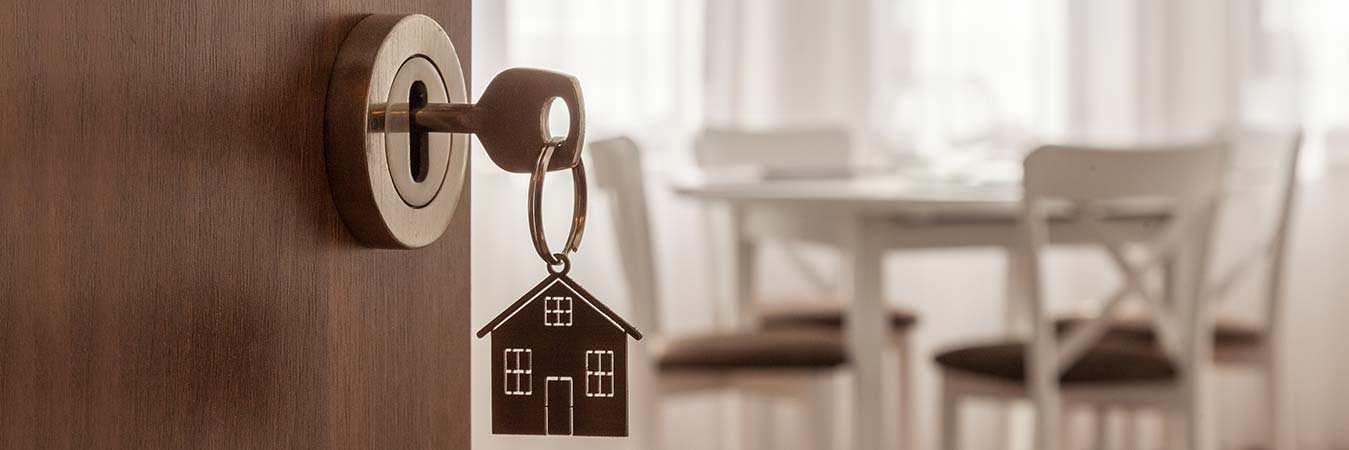 5 reasons why you should buy a house now!