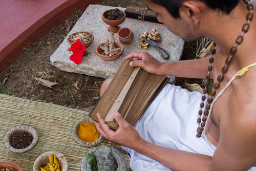 Ayurveda Attracts US Students to India