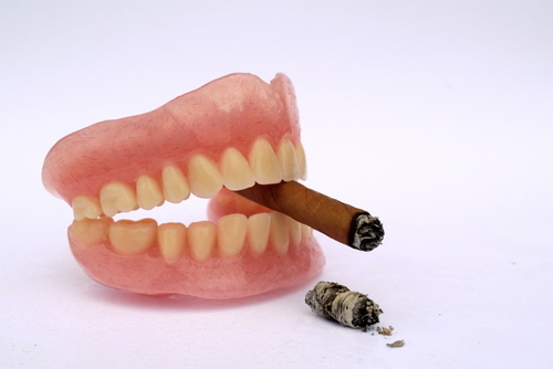 Smokers at higher risk of losing teeth than non-smokers: experts