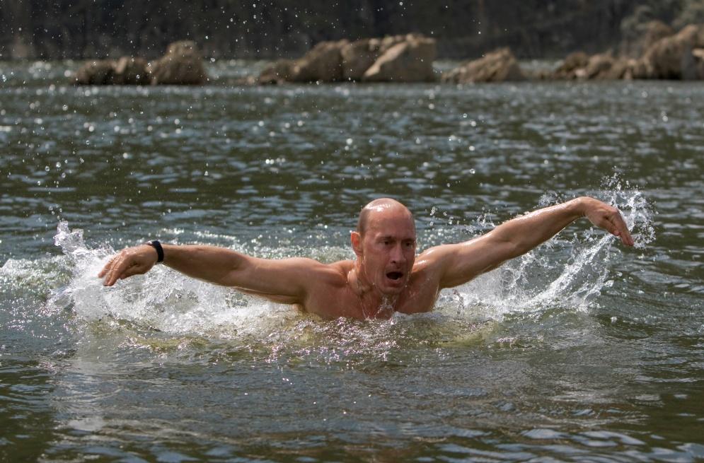 swimming putin.jpg