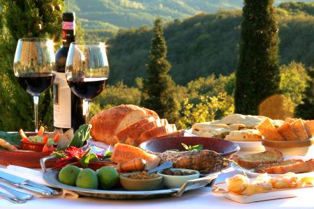 http://www.tasteofsicilyinco.com/wp-content/uploads/2015/12/Italian-food-Culture-The-Italian-kitchen.jpg