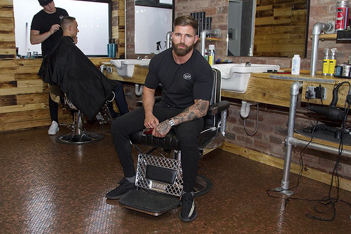 https://static.boredpanda.com/blog/wp-content/uploads/2017/07/70000-pennies-barber-shop-floor-bs4-barbers-rich-holtham-5975eb9a16bc9__700.jpg