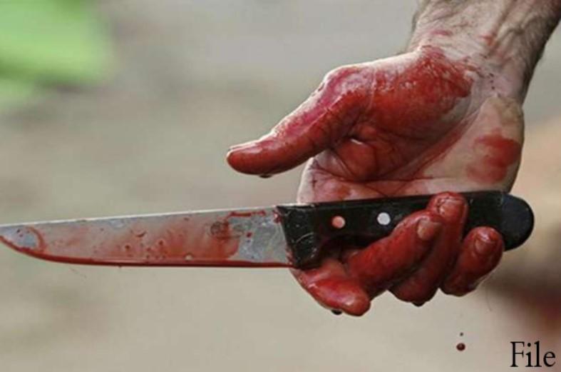 दो पुरुष रिश्तेदारों के साथ ऐसा काम कर रही थी पत्नी, बौखलाए पति ने स्क्रूड्राइवर और चाकू से उतारा मौत के घाट