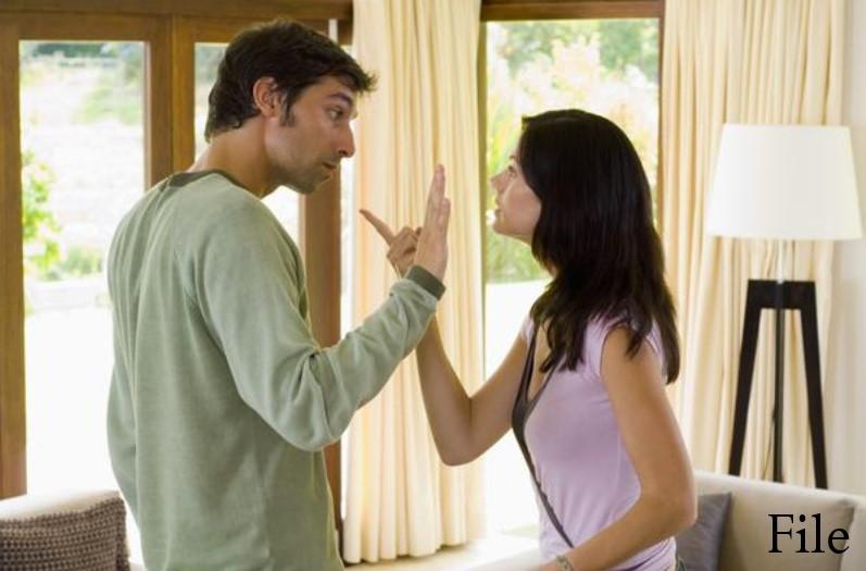 पत्नी से भूलकर भी न कहें ये बातें, वरना देर न लगेगी रिश्तों में दरार आते