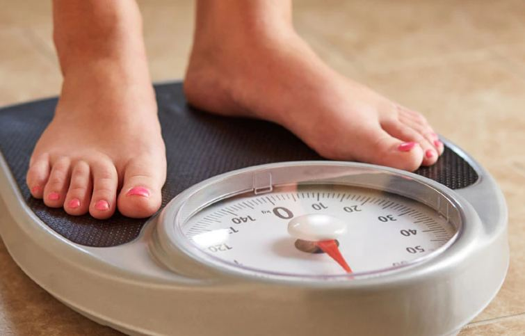चेक करें कहीं आप मोटे तो नहीं? हाइट के अनुसार इतना होना चाहिए शरीर का वजन