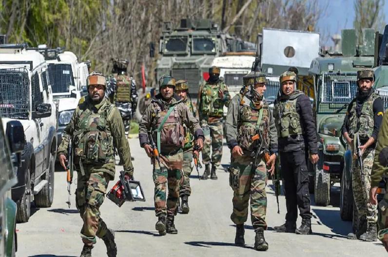 जम्मू-कश्मीर में ताबड़तोड़ एनकाउंटर जारी, 9 मुठभेड़ों में 13 दहशतगर्द ढेर, आईजीपी विजय कुमार ने दी जानकारी