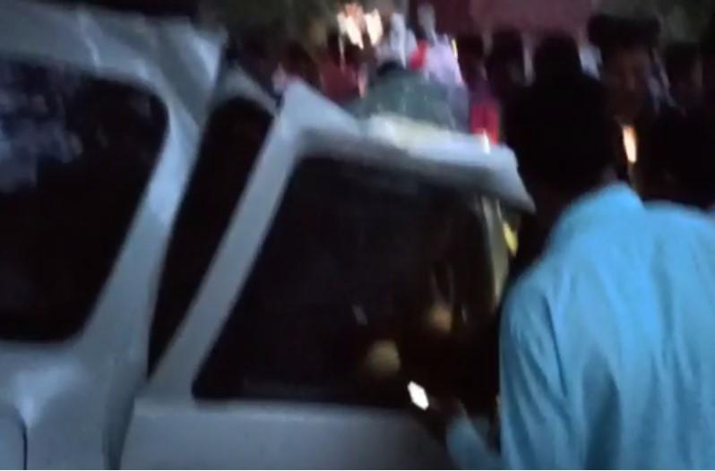 कोंडागांव में दर्दनाक हादसा, अनियंत्रित कार पेड़ से टकराई, तीन की मौत