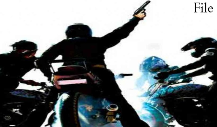 3 बाइक सवारों ने 3 घंटे के भीतर लूट की दो वारदातों को दिया अंजाम, 4 लाख 20 हजार कैश और सोने के जेवर लेकर हुए फरार