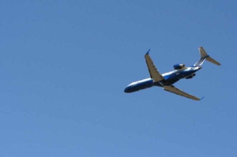 फ्लाइट में यात्री की तबीयत बिगड़ने पर इंदौर में उतारा गया विमान, नहीं बच सकी जान