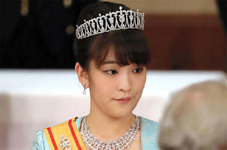 प्यार के लिए छोड़ दी अरबों की दौलत, जापान की राजकुमारी माको ने आम आदमी से रचाई शादी