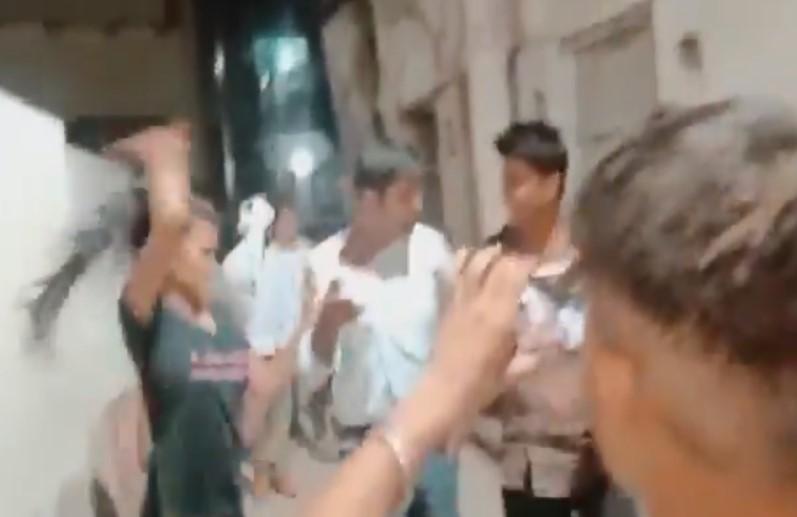 SI को महिला सिपाही के साथ कमरे में देख बौखलाई छोटी बहन, तामाचा जड़ते ले गई थाने, जानिए क्या है मामला?
