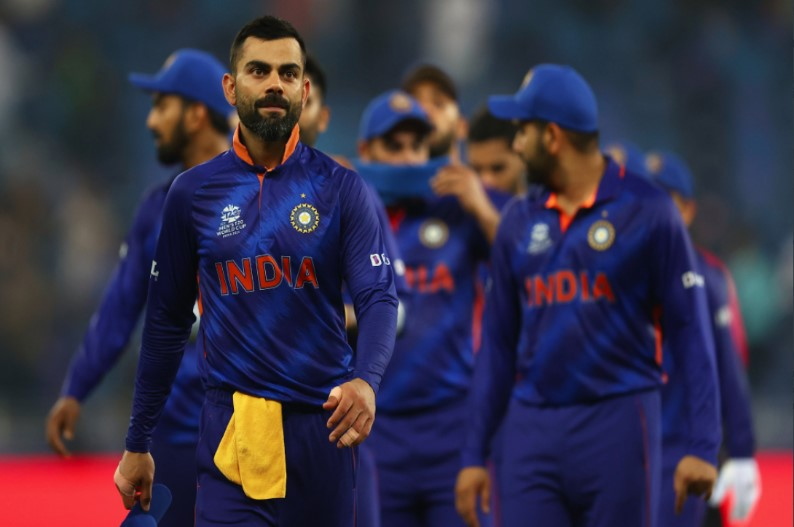 T20 World Cup 2021: पाकिस्तान से हार के बाद टीम इंडिया से कटेगा इन खिलाड़ियों का पत्ता! हो सकता है बड़ा बदलाव