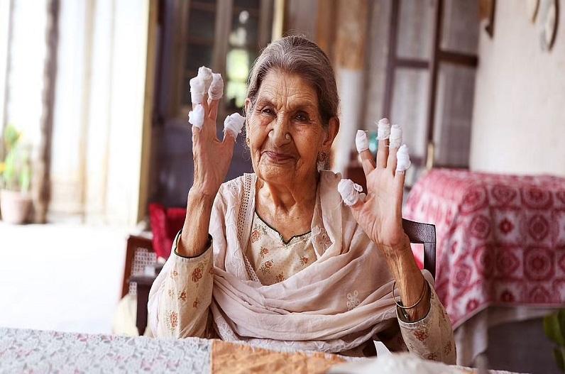 दुखद: बॉलीवुड की मशहूर अदाकारा का निधन, उमराव जान, स्वदेश जैसी फिल्मों में किया था काम