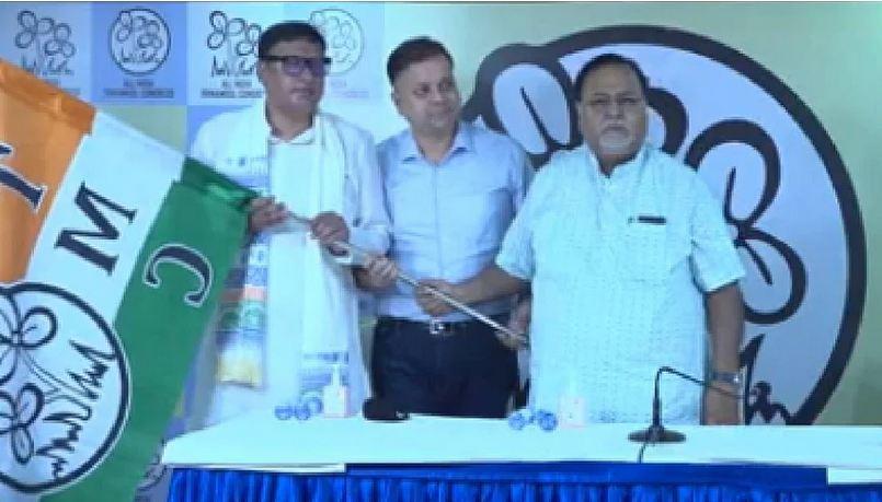 BJP को लगा झटका! एक और विधायक ने थामा TMC का दामन, बोले- बीजेपी में केवल साजिश होती है'