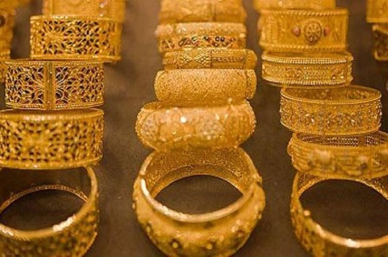 गोल्ड खरीदने का गोल्डन चांस, सरकार बेच रही है 100% प्योर सोना, महज 4715 रुपये में
