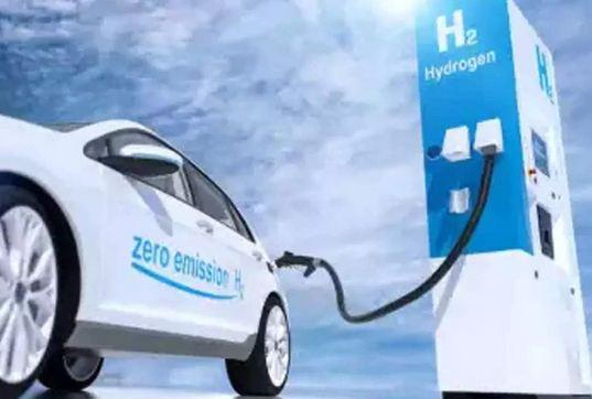 खबर शानदार है! 2030 तक 'पानी' से दौड़ेंगी गाड़ियां! पेट्रोल-डीजल का नहीं होगा कोई मोल