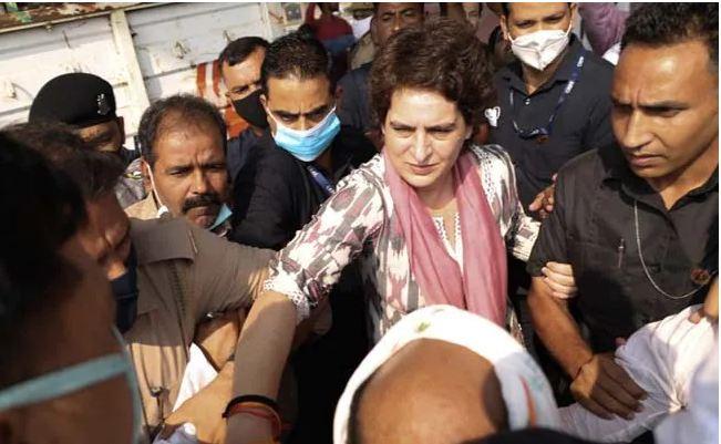 प्रियंका गांधी फिर हिरासत में, UP पुलिस ने धारा 144 का हवाला देकर आगरा जाने से रोका