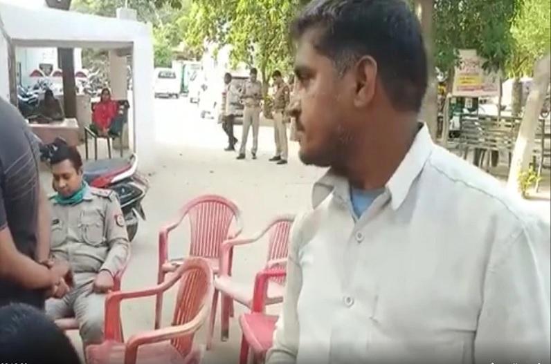 3 करोड़ का नोटिस देख रिक्शाचालक का चकरा गया सिर, आयकर अधिकारियों ने कहा- करना होगा भुगतान