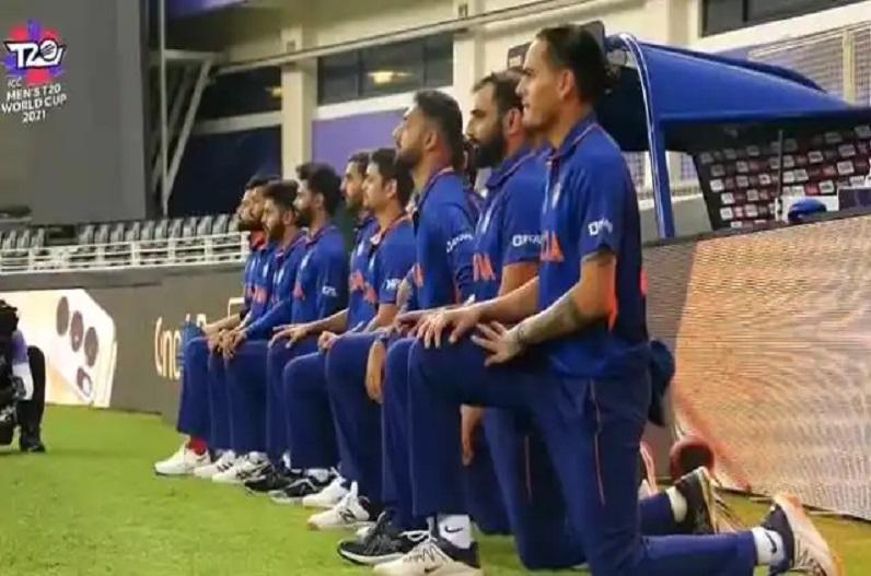 IND vs PAK : मैच से पहले घुटने के बल बैठी पूरी टीम इंडिया, जानें क्या है वजह…