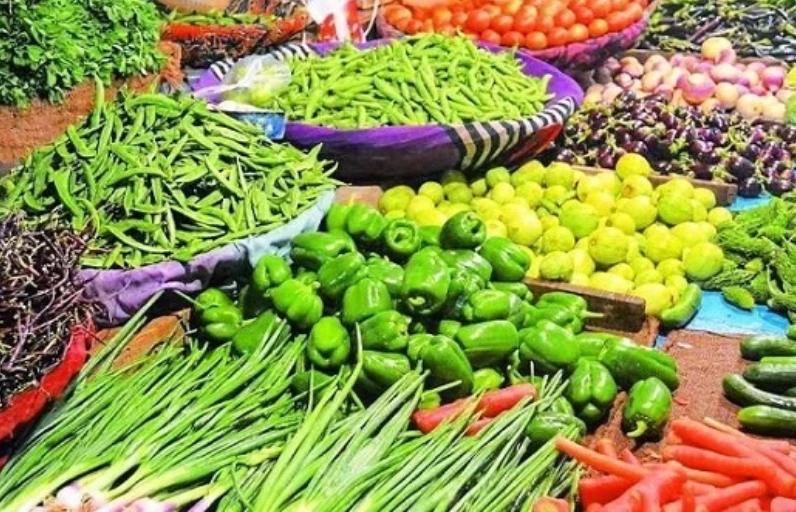 रायपुर में आसमान छूने लगे सब्जियों के दाम, टमाटर 40 तो प्याज बिक रहा 32 रुपए किलो