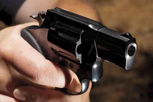 बिहार: दो जवानों को गोली मारकर इसांस रायफल की लूट