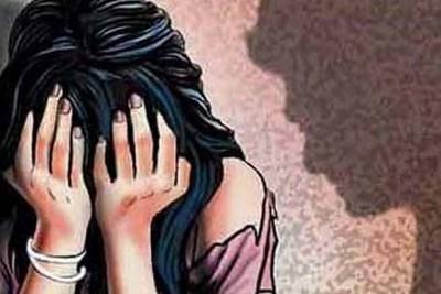 बंदूक की नोक पर महिला से दुष्कर्म