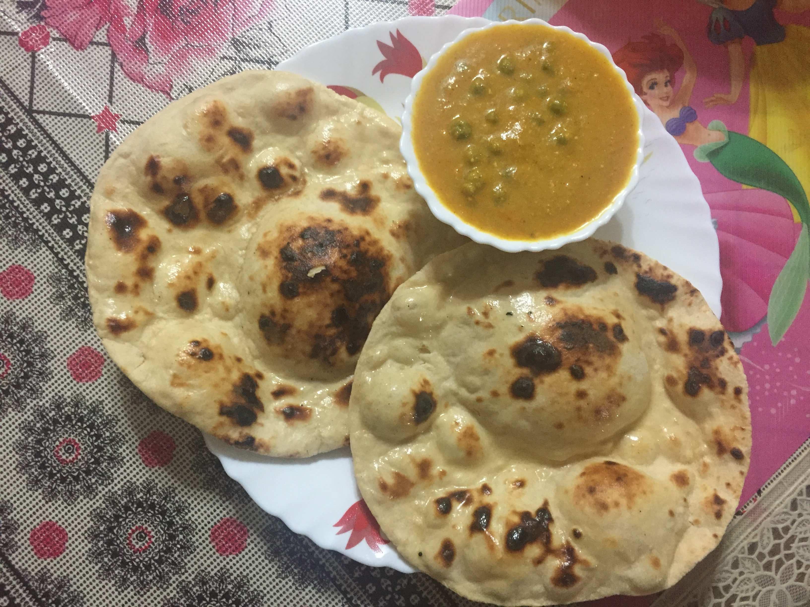 Tandoori Wheat Naan using tawa.