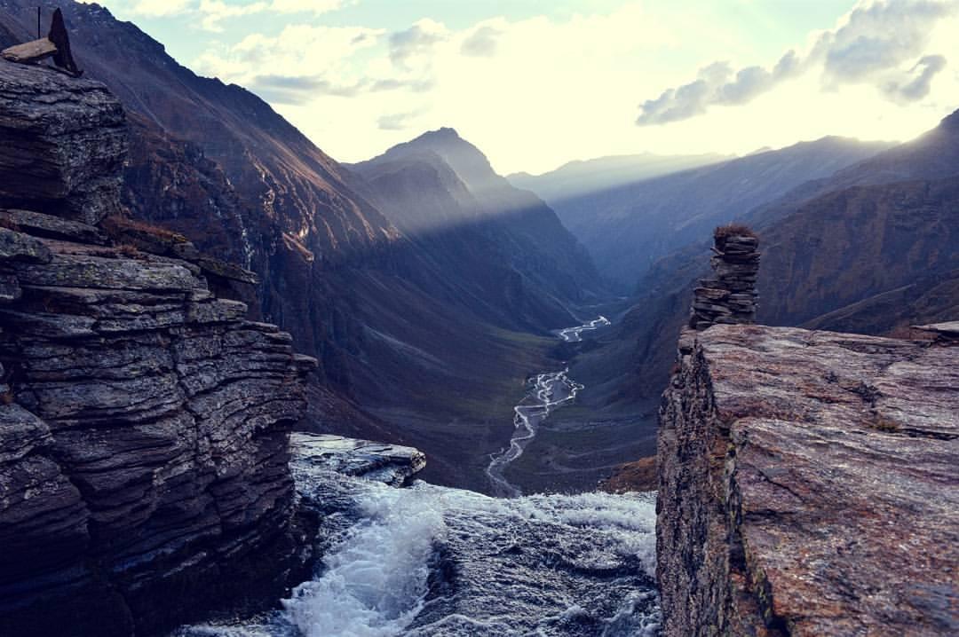 Rupin pass view from upper waterfall