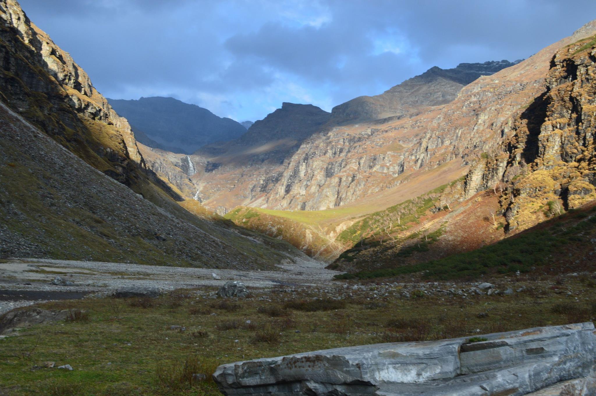 rupin pass trek meadows
