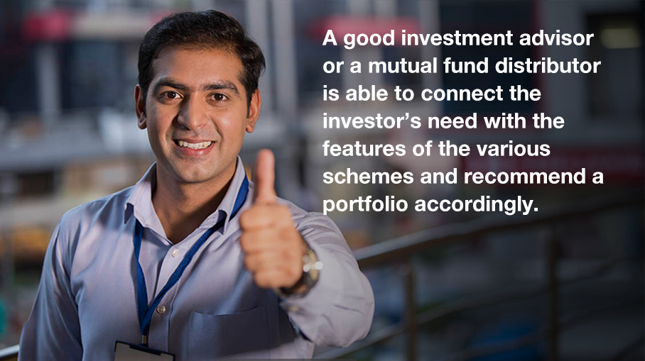 What is the role of an investment advisor or a mutual fund distributor in selecting a scheme?