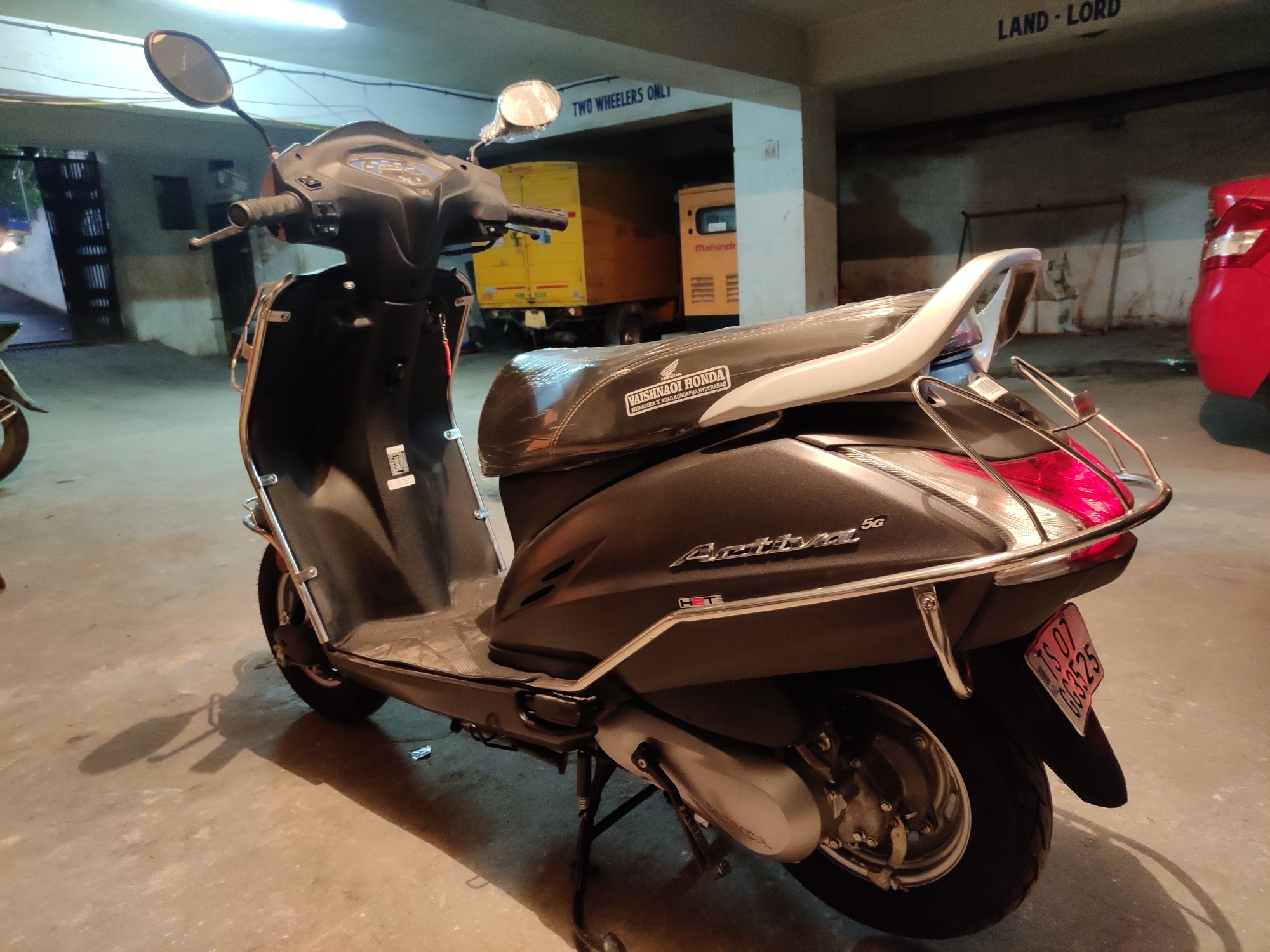 Honda Activa 5G refurbished scooter at best price | CredR