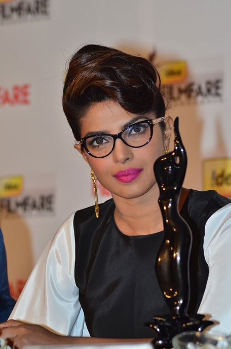 6 Times Bollywood Actresses Made Specs Look Cool Seenit