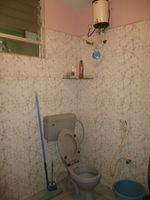12A4U00181: Bathroom 2