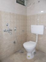 11NBU00070: Bathroom 1