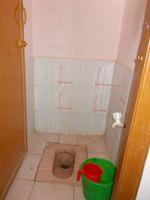 13F2U00400: Bathroom 1